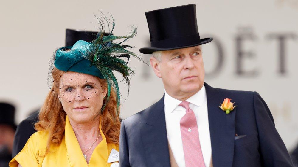 Sarah Ferguson, hertuginne av York og prins Andrew, hertug av York deltar på dag fire av Royal Ascot på Ascot Racecourse