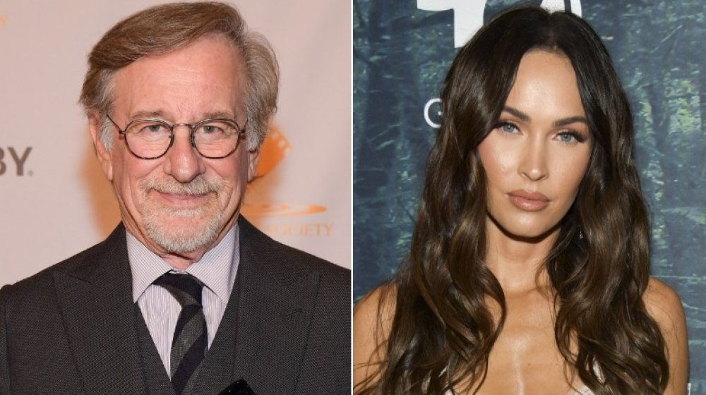 Steven Spielberg, Megan Fox, begge stående, delt bilde