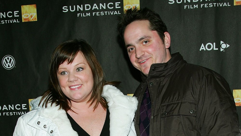 Melissa McCarthy, Ben Falcone smiler mens arm-in-am på Sundance Film Festival