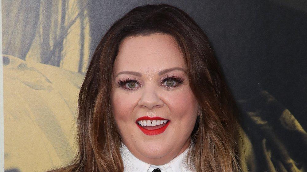 Melissa McCarthy smiler stort på et 2019-arrangement