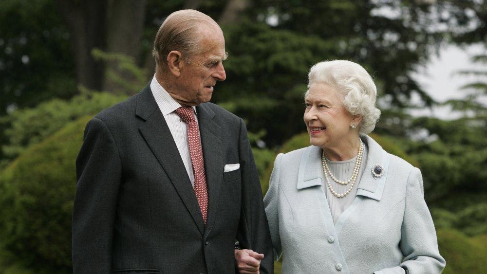 Dronning Elizabeth og prins Philip besøker Broadlands for å markere sin Diamond Bryllupsdag i 2007