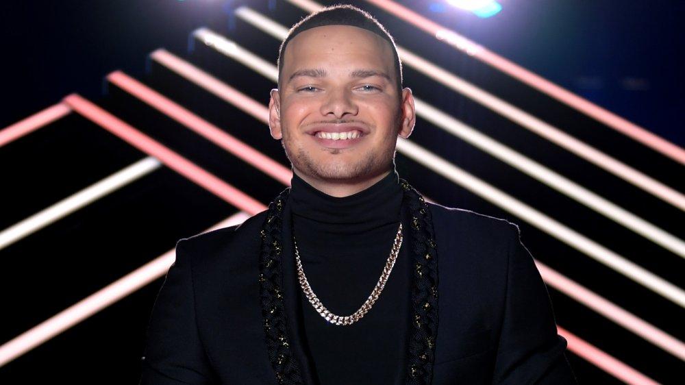 Kane Brown smiler til CMT Awards