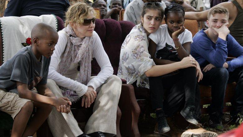 Madonna og barna hennes