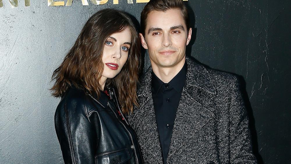 Alison Brie og Dave Franco deltar på Paris Fashion Week i 2019