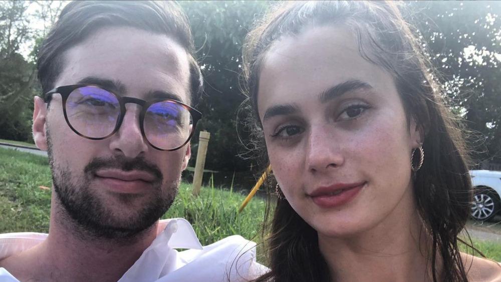 Saul Chilchik og Camilla Wolfson poserer for en selfie på Instagram
