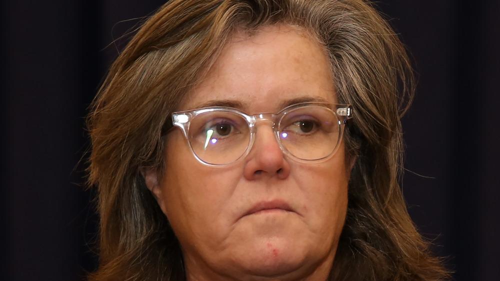 Rose O'Donnell med klare briller