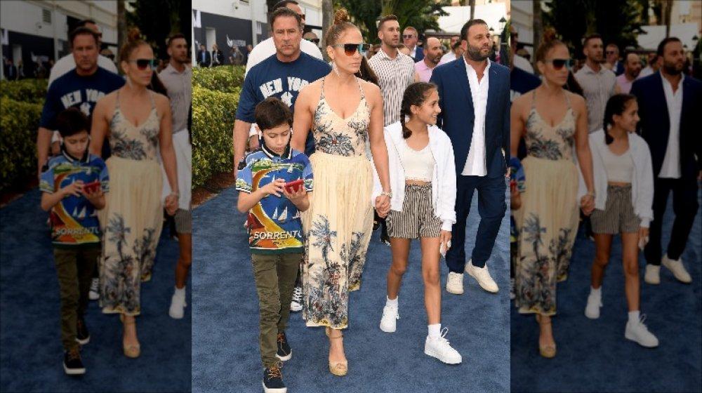 Jennifer Lopez med tvillingene sine