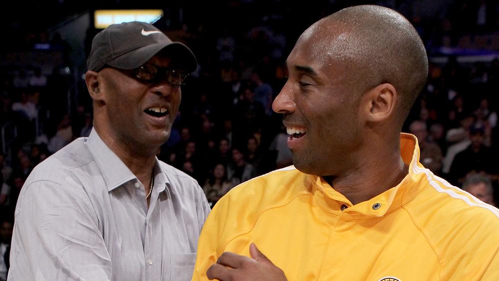 Kobe Bryant med faren Joe Bryant