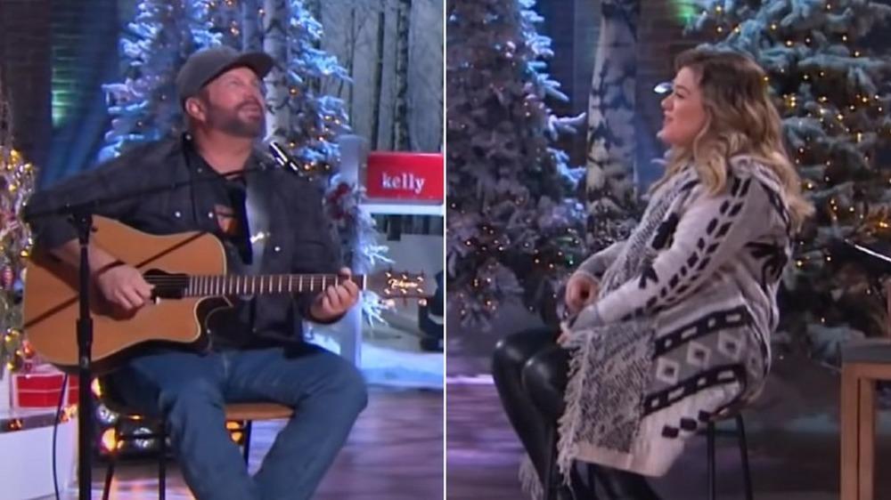Garth Brooks og Kelly Clarkson synger
