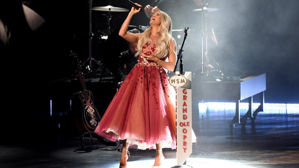 Carrie Underwood synger