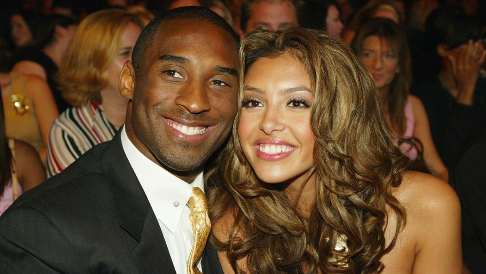 Vanessa Bryant og Kobe Bryant på en prisutstilling