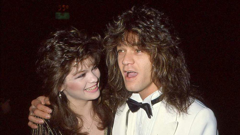 Valerie Bertinelli smiler til Eddie Van Halen