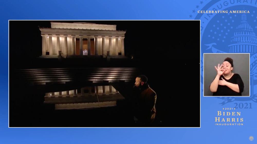 John Legend synger på Lincoln Memorial