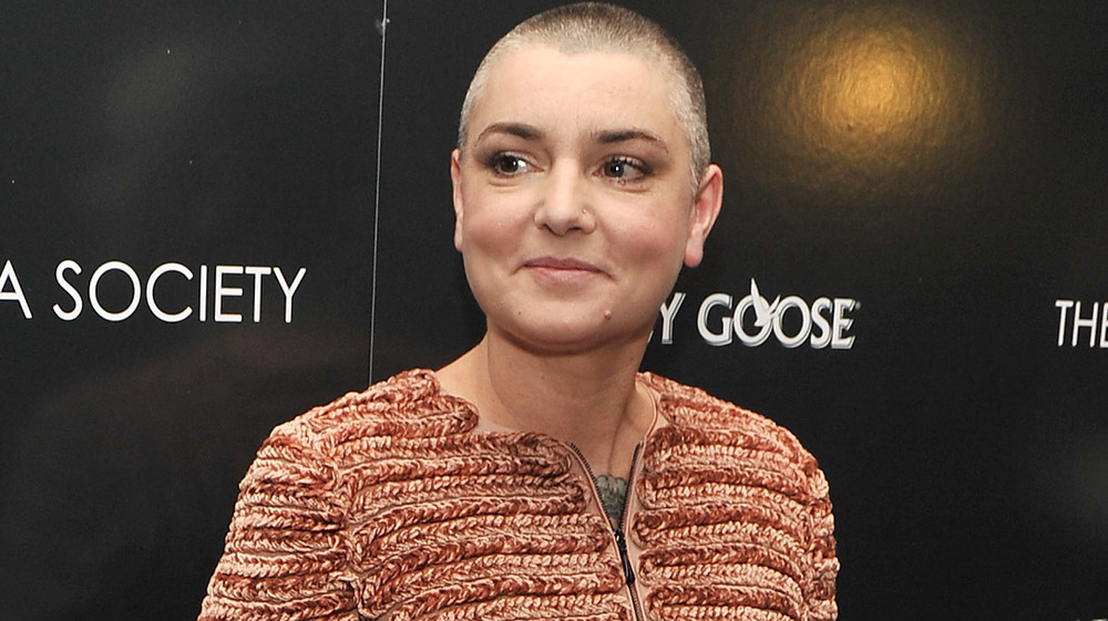 Sinéad O'Connor ser sidelengs