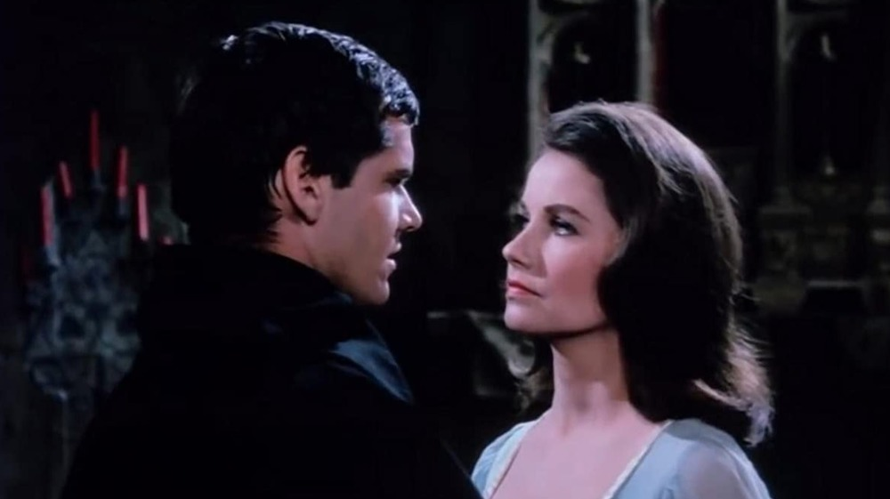 Jack Nicholson og Sandra Knight ser på hverandre
