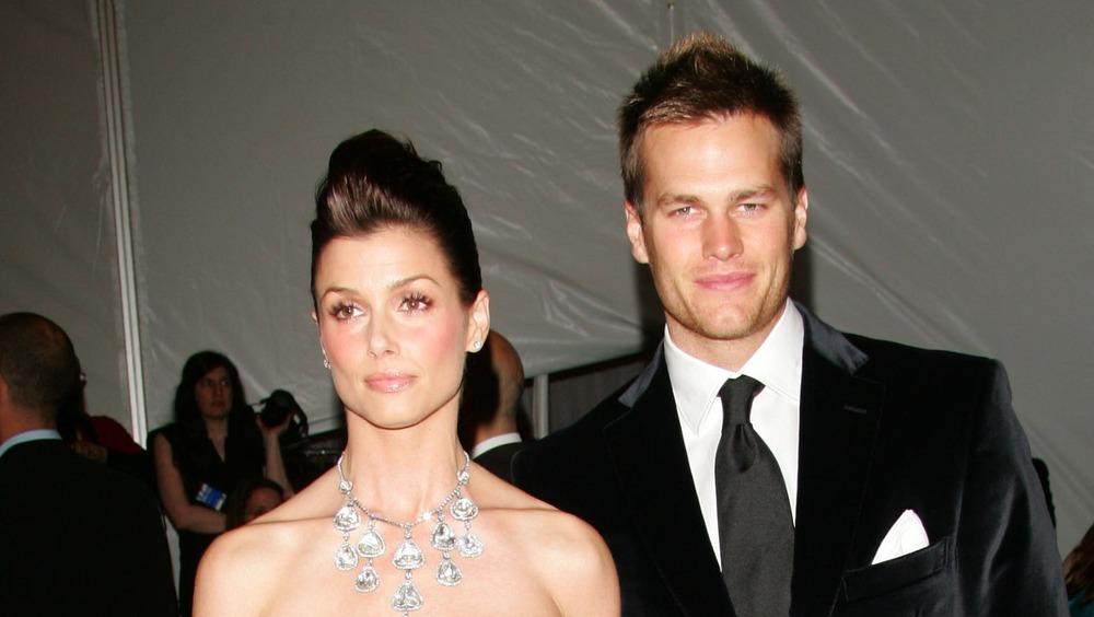 Bridget Moynahan og Tom Brady poserer på den røde løperen sammen