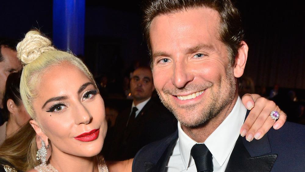 Lady Gaga og Bradley Cooper på et arrangement