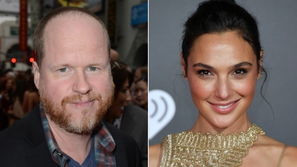Joss Whedon og Gal Gadot smiler
