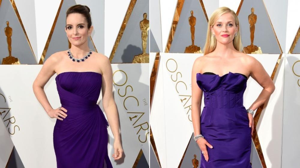 Tina Fey (til venstre) og Reese Witherspoon (til høyre) på Oscar-utdelingen