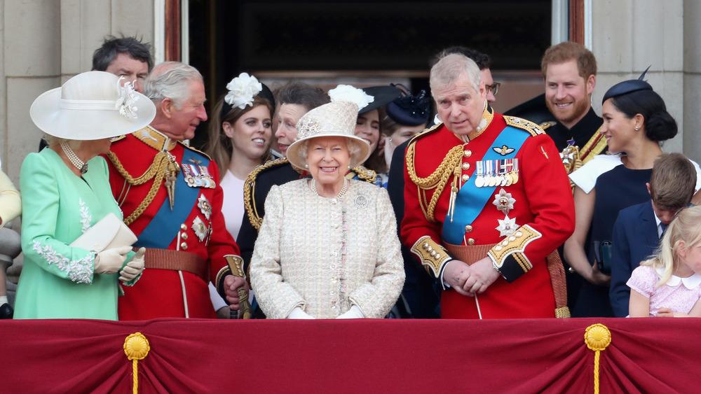 De kongelige vises sammen på dronningens årlige bursdagsparade i 2019