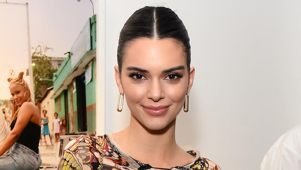 Kendall Jenner poserer for et bilde