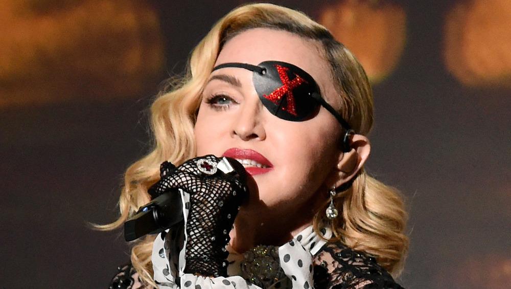 Madonna opptrer som Madame X