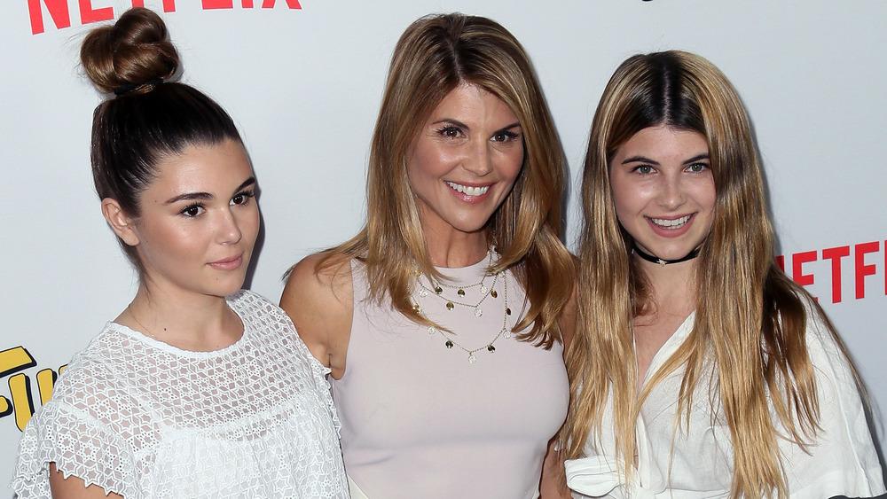 Lori Loughlin med døtrene Olivia og Isabella