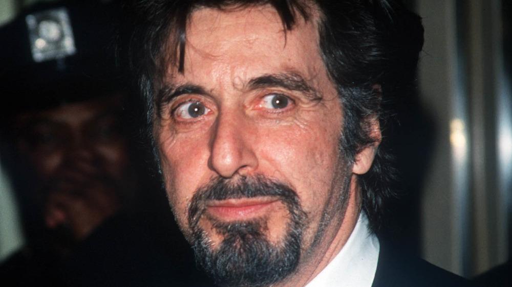 Al Pacino stirrer mot venstre