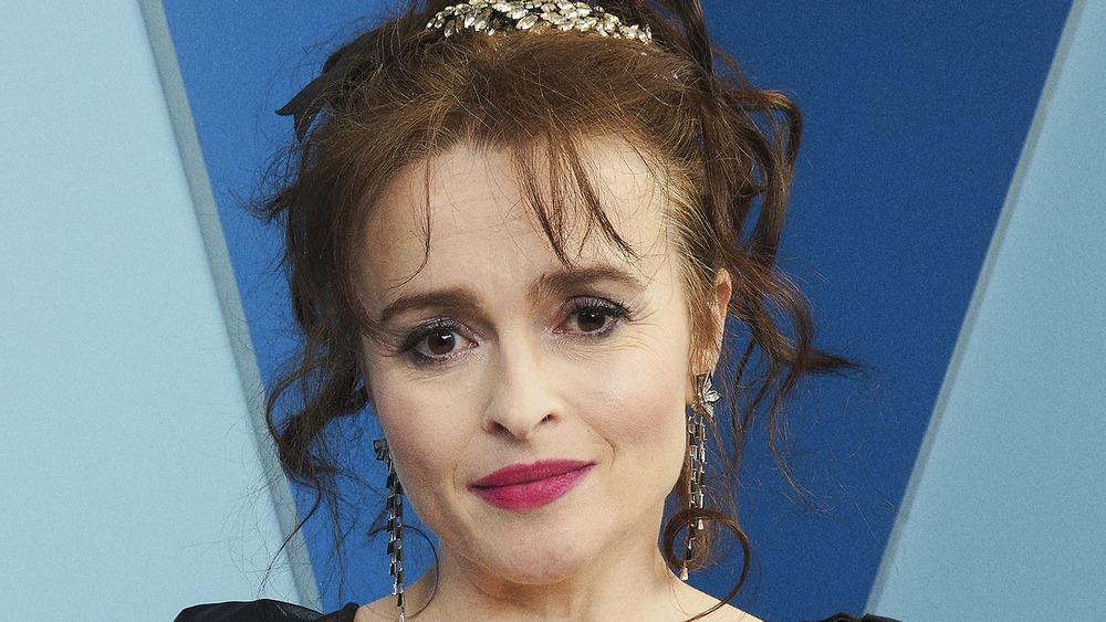 Helena Bonham Carter poserer på den røde løperen