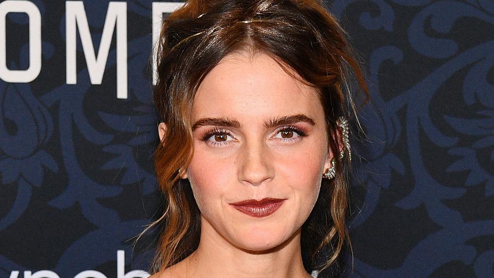 Emma Watson stiller på premieren 'Little Women' i 2019