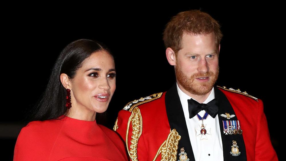 Prins Harry og Meghan Markle i rødt