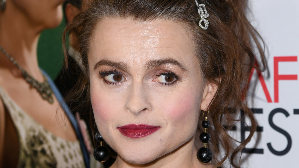 Helena Bonham Carter stirrer på siden
