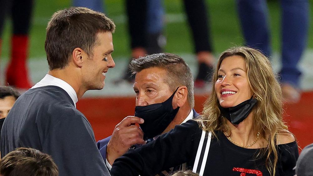 Tom Brady og Gisele Bundchen deler et smil