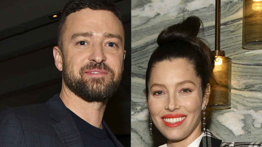 Justin Timberlake og Jessica Biel smiler