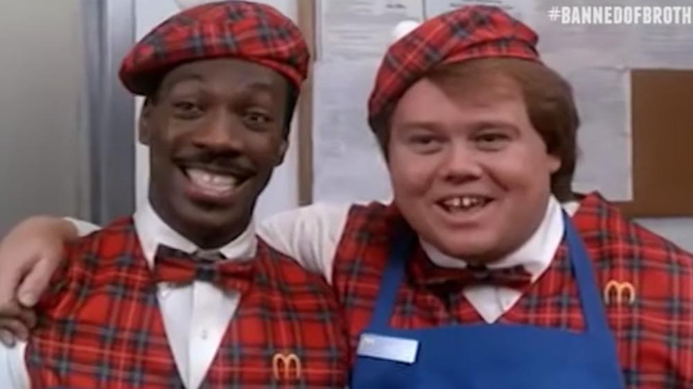 Eddie Murphy og Louie Anderson vises i Coming to America