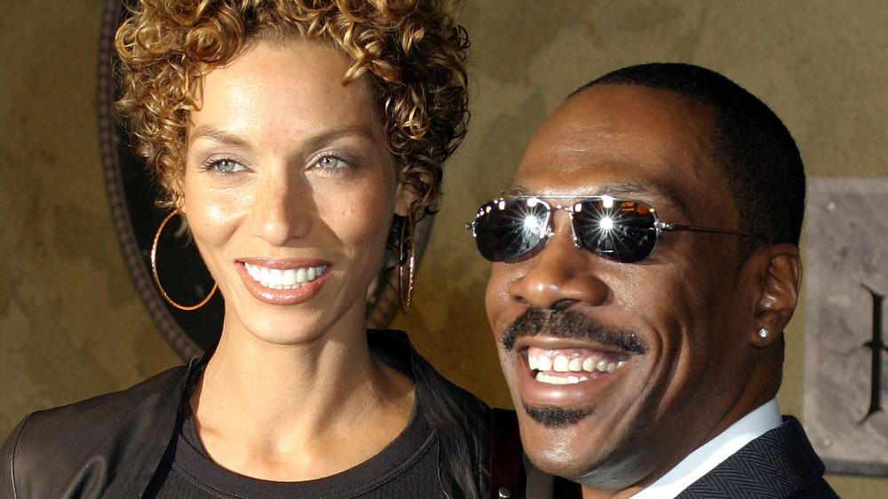 Eddie Murphy og ekskone Nicole Mitchell på 'The Haunted Mansion' premiere i 2003