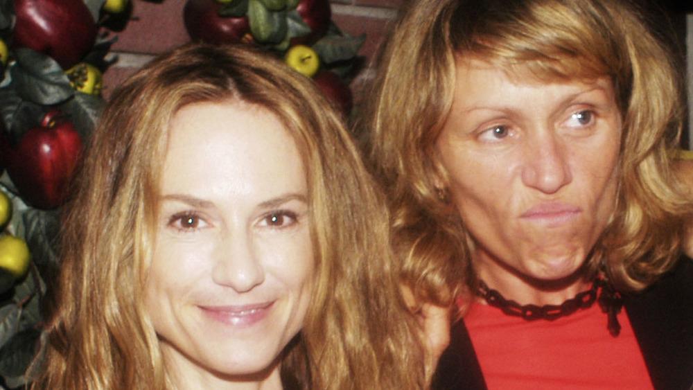Frances McDormand og Holly Hunter poserer