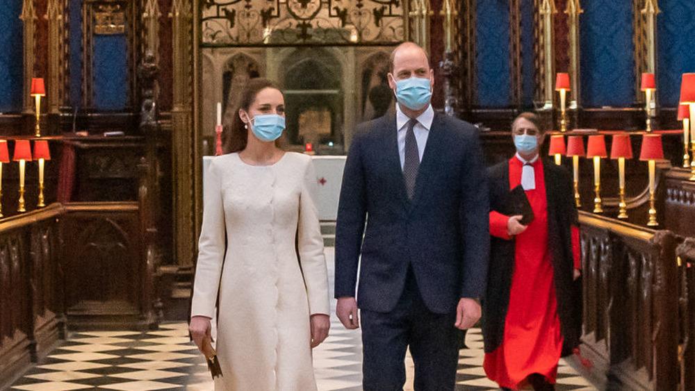 Kate Middleton og prins William ved Westminster Abbey vaksinasjonssenter