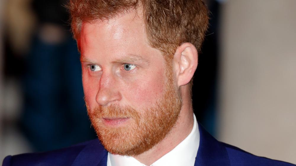 Prins Harry utendørs