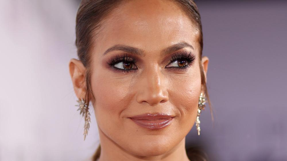 Jennifer Lopez poserer