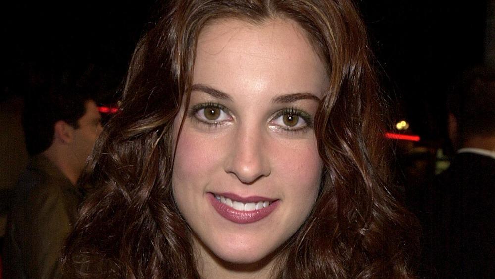 Lindsay Sloane smilte til et arrangement i 2000