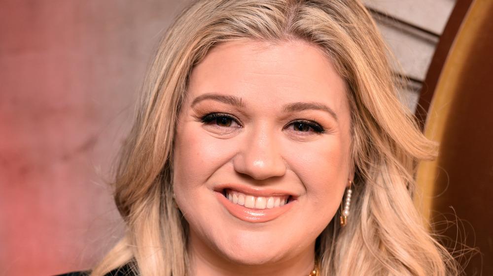 Kelly Clarkson gliser