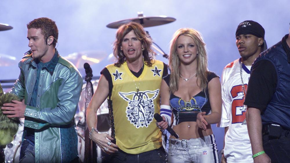 Britney Spears og Steven Tyler Superbowl Performance 2001