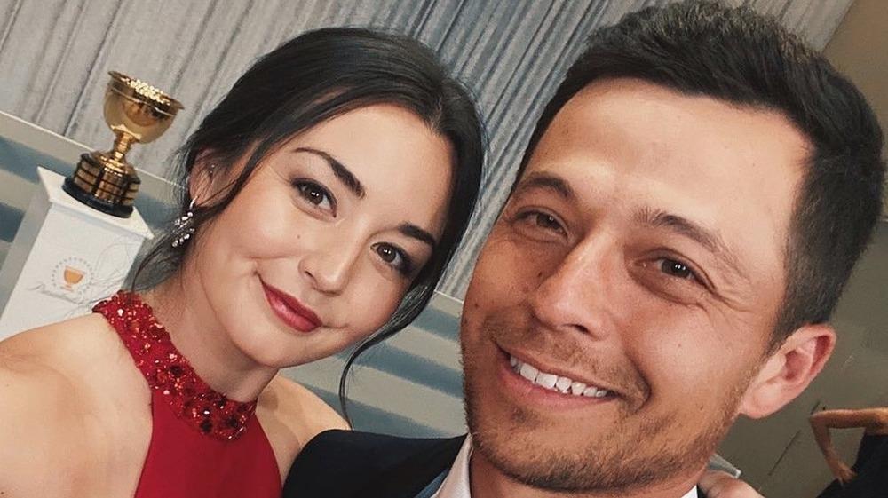 Xander Schauffele og Maya Lowe tar en selfie