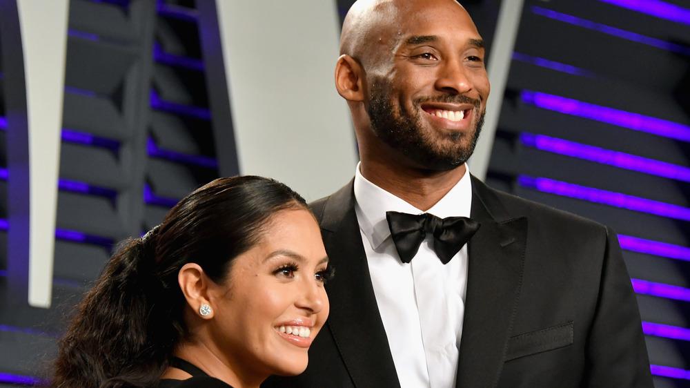 Vanessa Bryant og Kobe Bryant på den røde løperen
