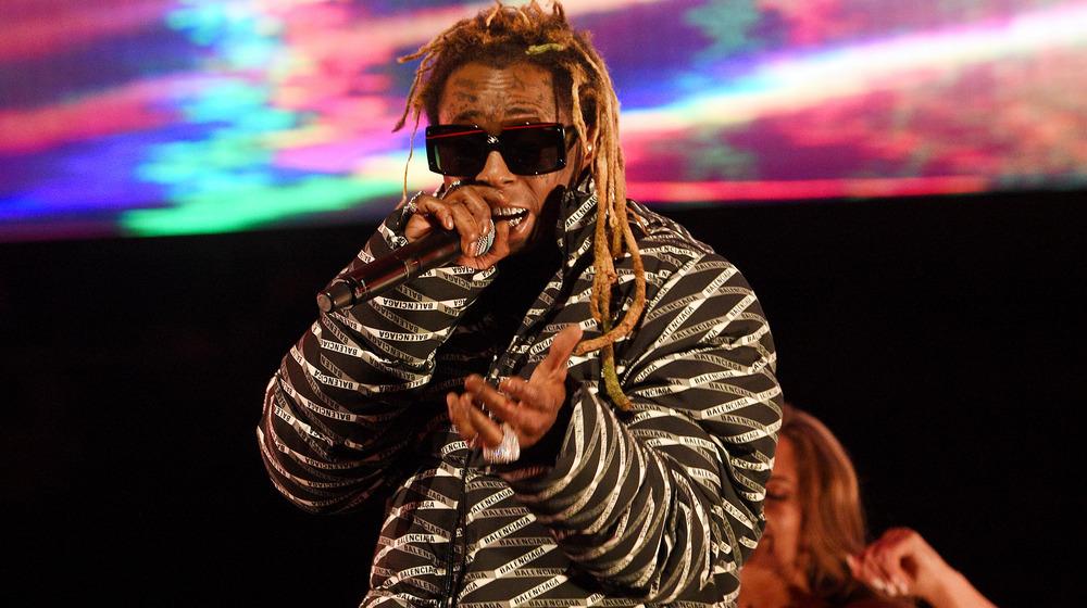 Lil Wayne opptrer i løpet av 2020 State Farm All-Star Saturday Night