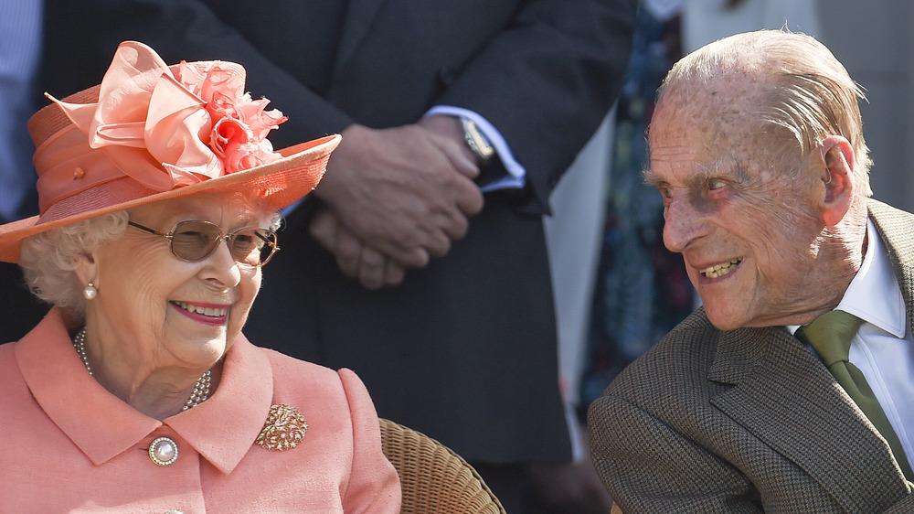 Dronning Elizabeth II og prins Philip, hertug av Edinburgh på Royal Windsor Cup 2018