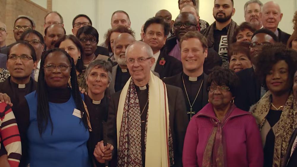 Erkebiskop av Canterbury Justin Welby poserer i en gruppe