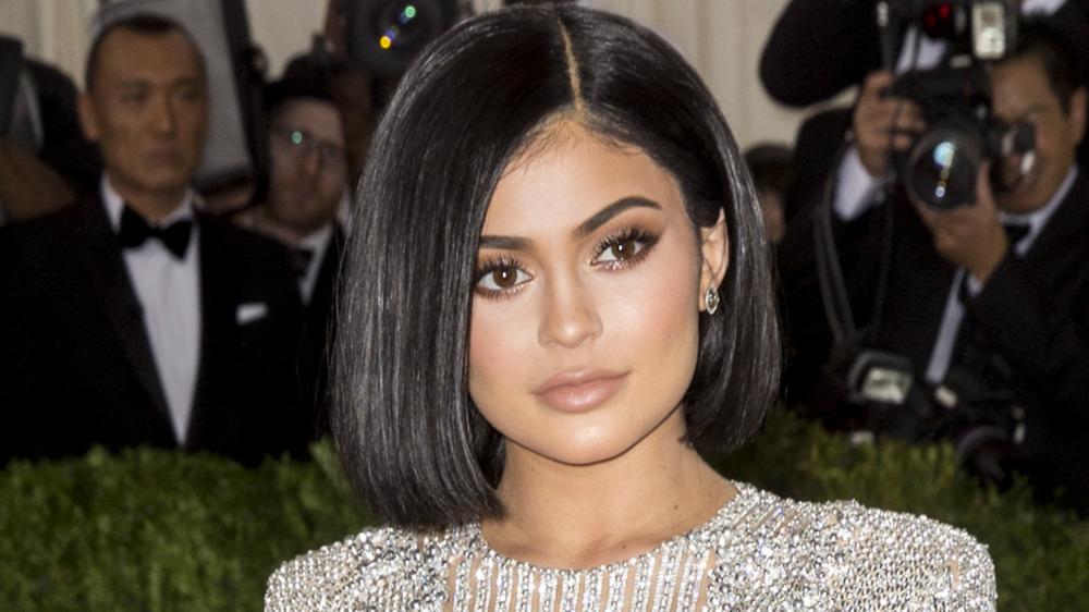 Kylie Jenner poserer for kameraer