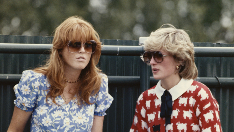 Sarah Ferguson og prinsesse Diana på Guard's Polo Club i 1983
